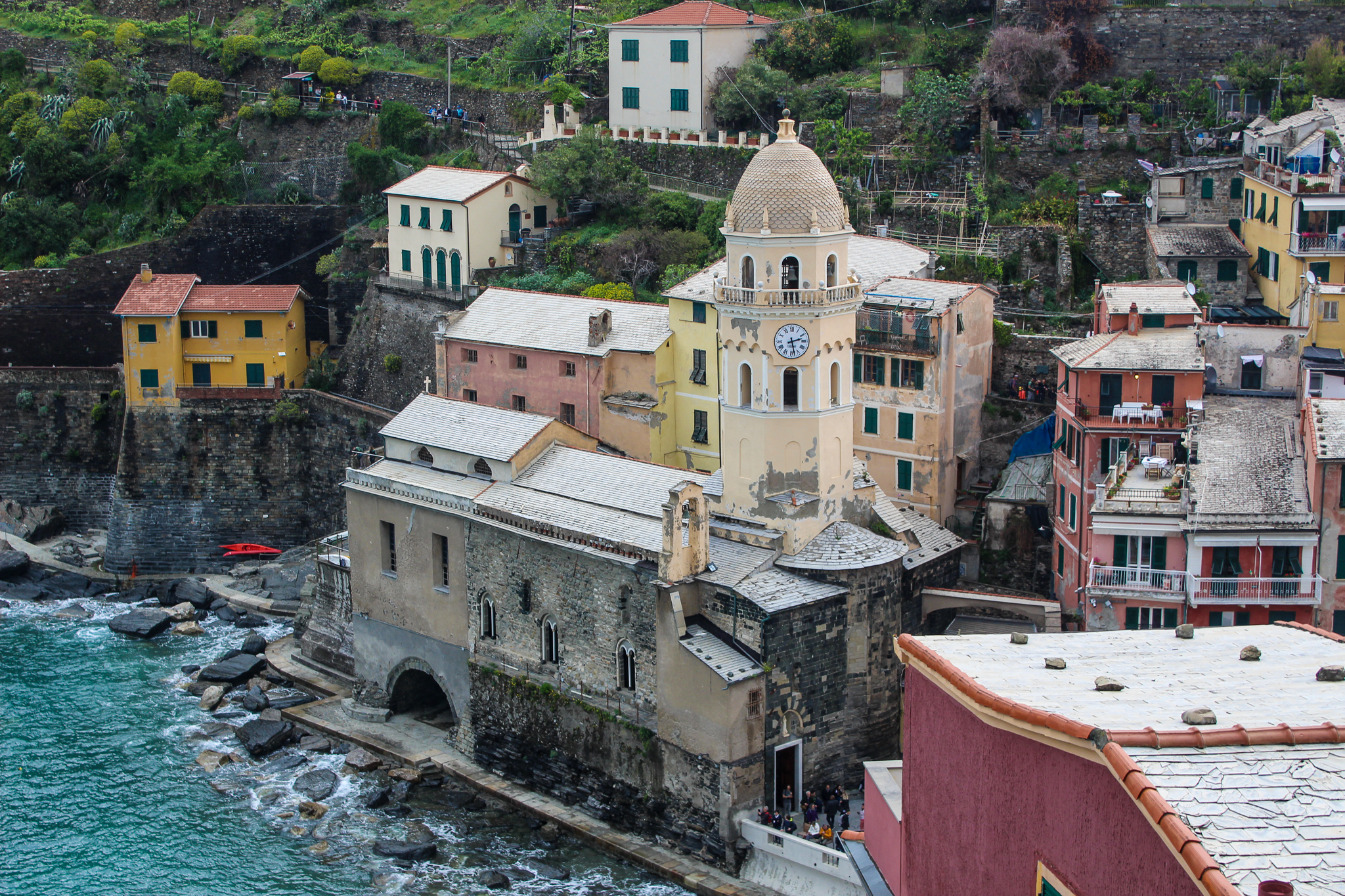 cinque terre is one of the best weekend destinations in europe