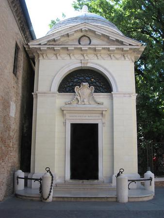 Revenna - Dante's Tomb