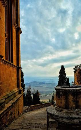 """Evening Approaches"" - Pienza, Italia"