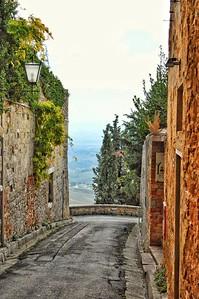 """""""Nice Views in Narrow Places"""" - Pienza, Italia"""