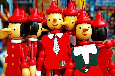 Pisa_Pinochino_puppets_D3S0091