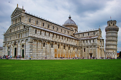 Pisa_Cathedral+Leaning_Tower_D3S0247