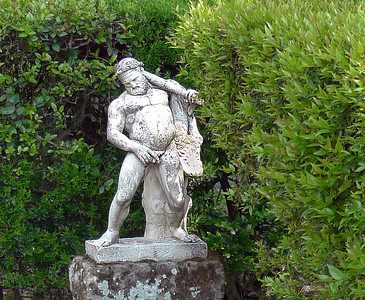 Herculaneum - Statue of a drunken Hercules