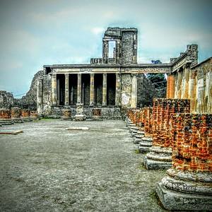 """""""Justice"""" - Pompeii"""