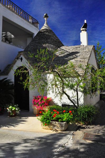 """""""trulli"""" a beautiful little home"""