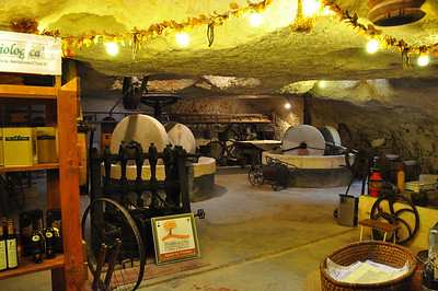 underground olive oil factory at Il Frantoio