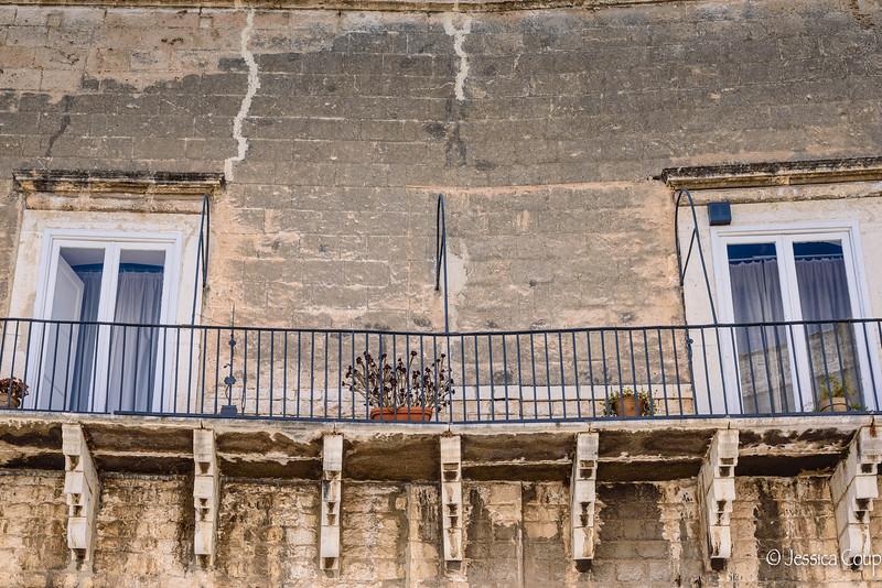 Long Balcony