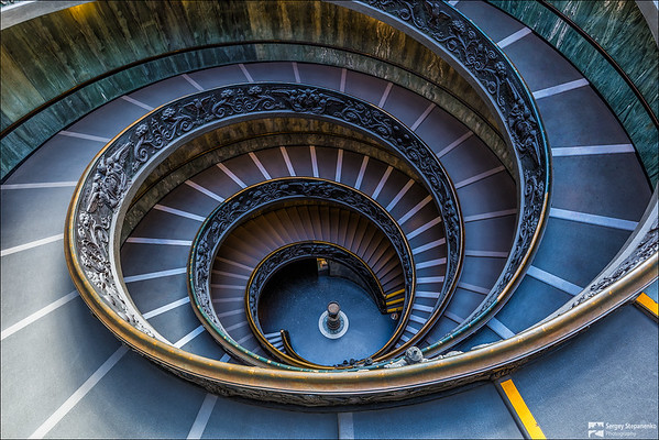 Momo spiral staircase | Винтовая лестница Момо