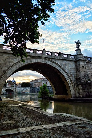 """""""Floating Through Time """" - Tevere - Roma"""