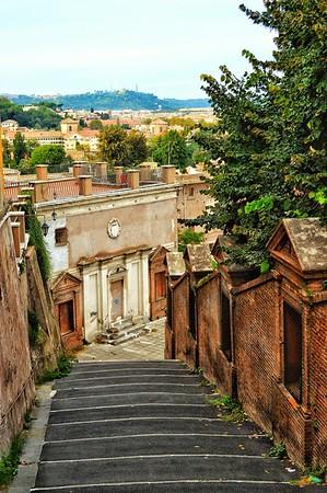 """""""Stepping Down Into History"""" - Passaggio Pubblico di Piazza San Pietro in Montorio - Roma"""