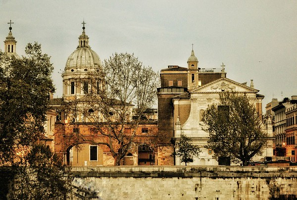 """Epochal Vista"" - Near Ponte Cavour - Roma"
