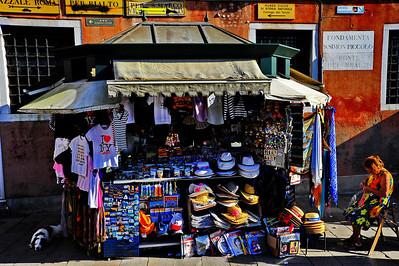 Venice_Souvenir_Stand_D3S4455