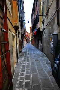 Venice_Residential_Street_Narrow_D3S4468