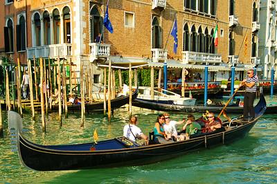 venice_gondola_grand-canal_d3s0444