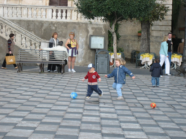 Taormina Piazza