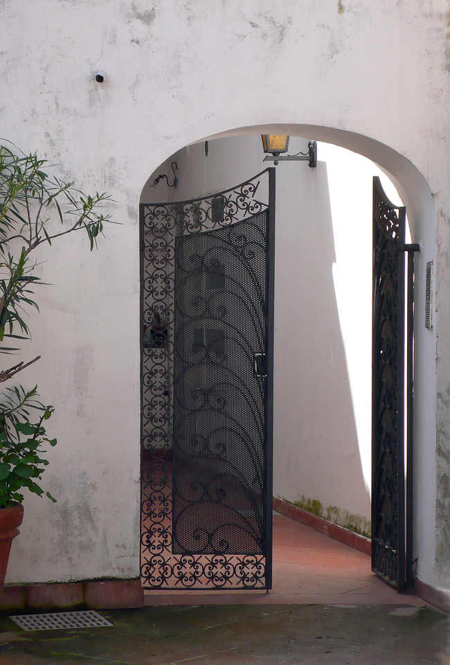 Black wrought iron gate, Capri