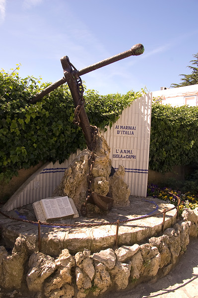 Anchor memorial, Capri