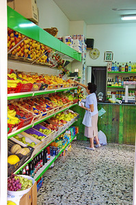 Sorrento_Grocery_store-shopping_D3S0121