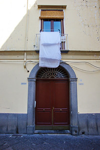 Sorrento_Door_laundry_D3S0124