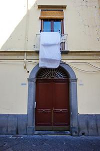Sorrento_Door_laundry_D3S0124