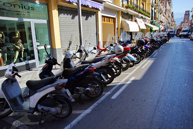 Sorrento_Motorscooter_Row_D3S0109