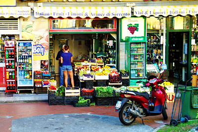 Sorrento_fruit-stand_D3S6029