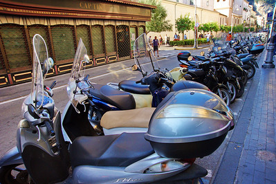 Sorrento_Motorscooter_Row_D3S0097
