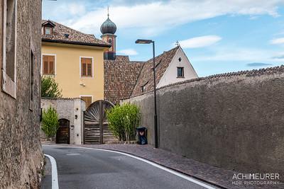 Suedtirol-Sueden-Weinstrasse-Kaltern-Ansichten_9753