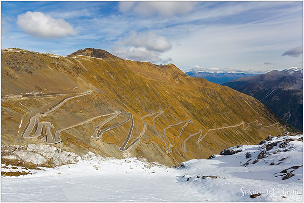 The Stelvio Pass (DE : Stilfser Joch), a mountain pass in Italy. They call these 'Hairpin turns'