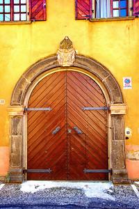Tarquinia_Door-Arched Seal_D3S0153