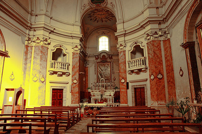 Tarquinia_Church-Interior-altar_D3S0133