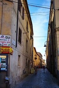 Tarquinia_Street_D3S0095