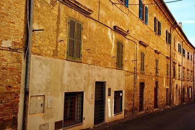 Tarquinia_Bld-Side shutters doors_D3S0145