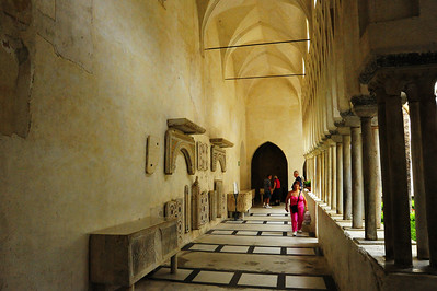 Cathedral_walkway_D3S0253