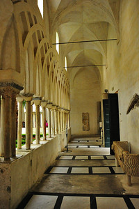 Cathedral_Arched_Walkway_D3S0254