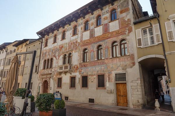 Alberti Colico Palace