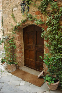 A pretty doorway in Montefollonico.