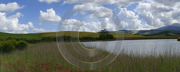 La Foce Lake Pond Tuscany Italy Toscana Italien Prints Royalty Free Stock Photos - 014035 - 19-05-2013 - 17713x7134 Pixel