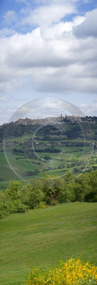 Montepulciano Tuscany Italy Toscana Italien Spring Fruehling Scenic View Point Lake - 012930 - 14-05-2012 - 4700x13837 Pixel