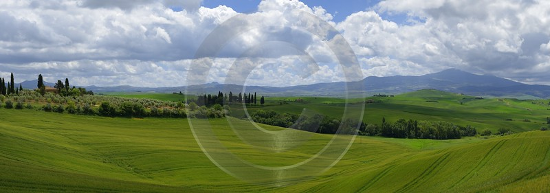 Pienza Tuscany Italy Toscana Italien Spring Fruehling Scenic Sky Country Road River Forest - 014015 - 19-05-2013 - 19784x6939 Pixel
