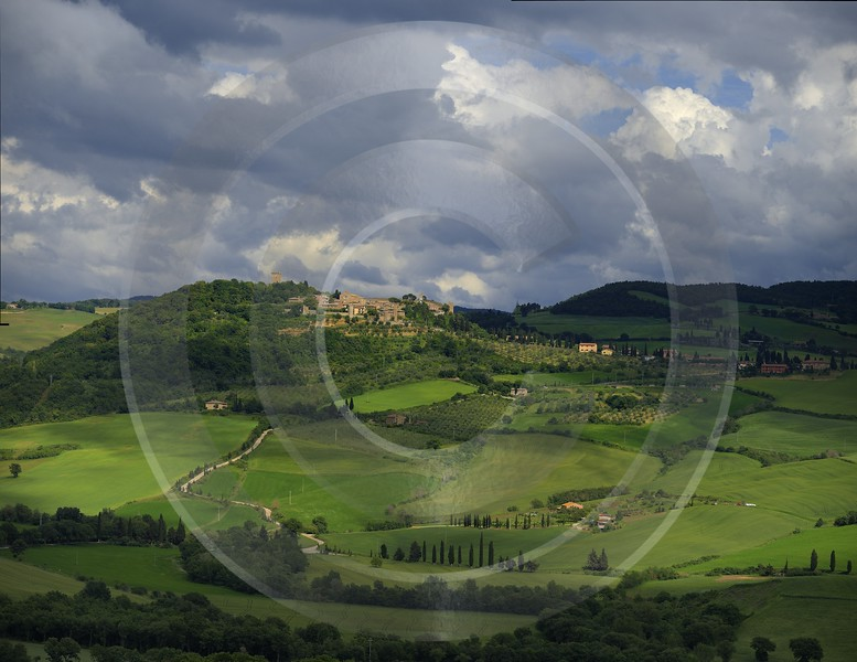 Pienza Tuscany Italy Toscana Italien Spring Fruehling Scenic Grass Color - 014082 - 20-05-2013 - 12371x9553 Pixel