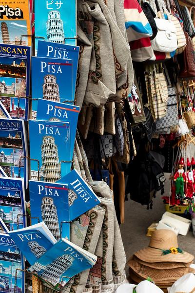 Pisa tourist paraphernalia