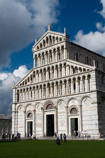 The façade of Pisa's cathedral