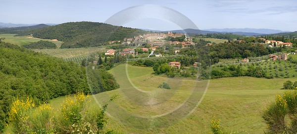Trequanda Tuscany Italy Toscana Italien Spring Fruehling Scenic Art Photography For Sale - 012763 - 18-05-2012 - 10669x4829 Pixel