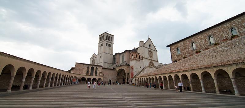 Portico and lower plaza of the Basilica di San Francesco