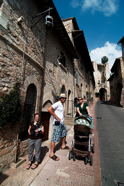 Eve, Mathieu, Emilie and Laurier exploring Assisi