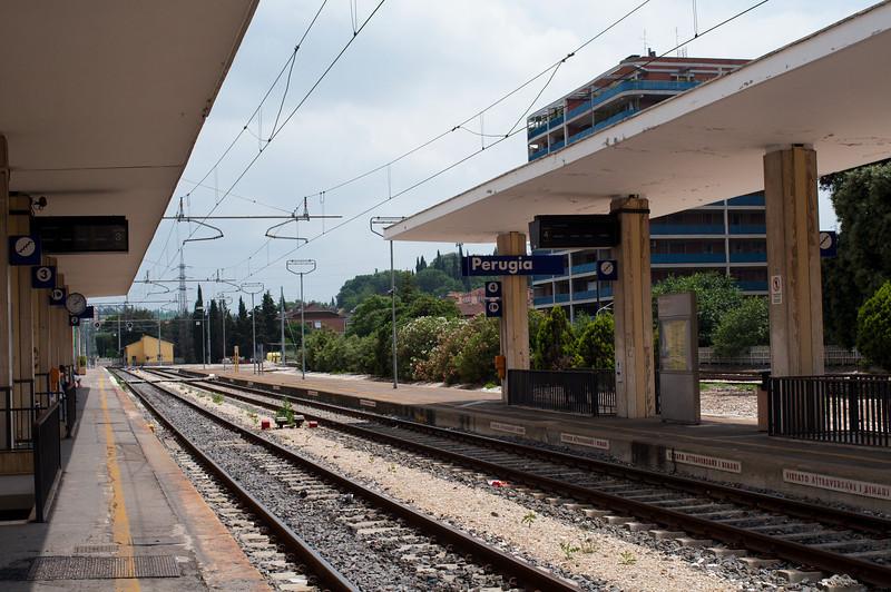 Perugia train platform, twenty minutes from Assisi