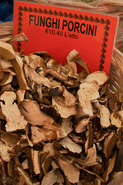 Dried mushrooms for sale