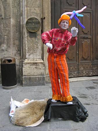 Mime on Corso Vannucci