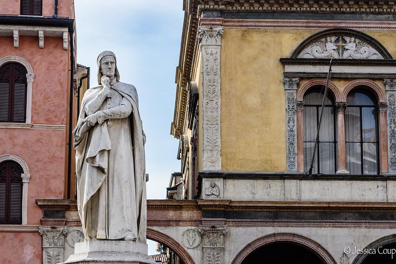Dante in Piazza dei Signori